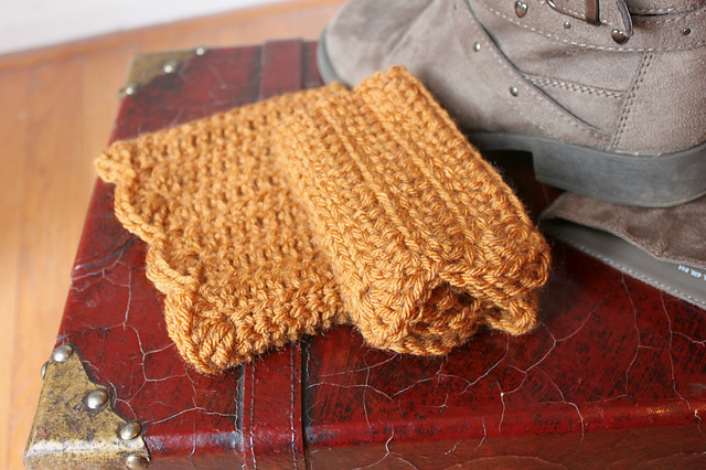 scalloped boot cuffss crochet pattern